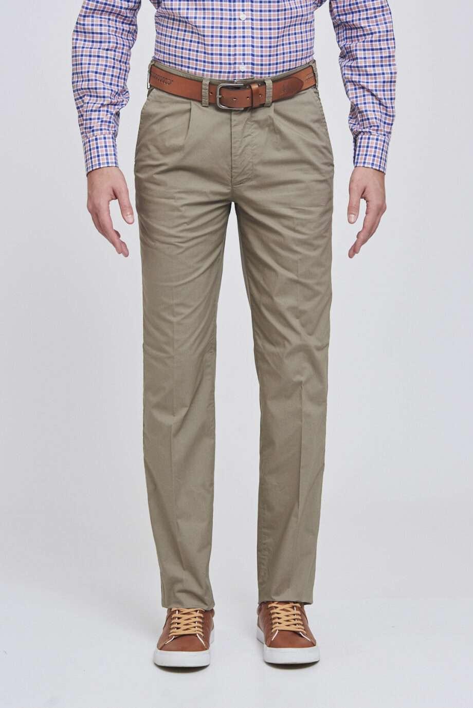 Pantalón pinzado de poplín