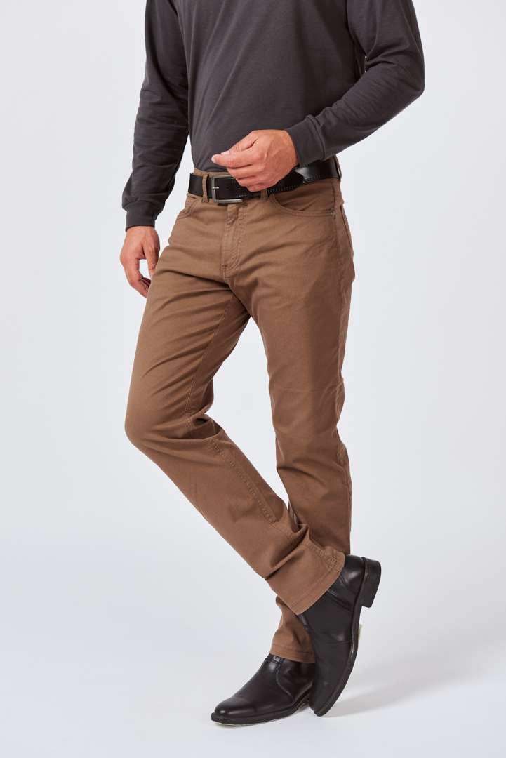 Pantalón básico corte jean de gabardina