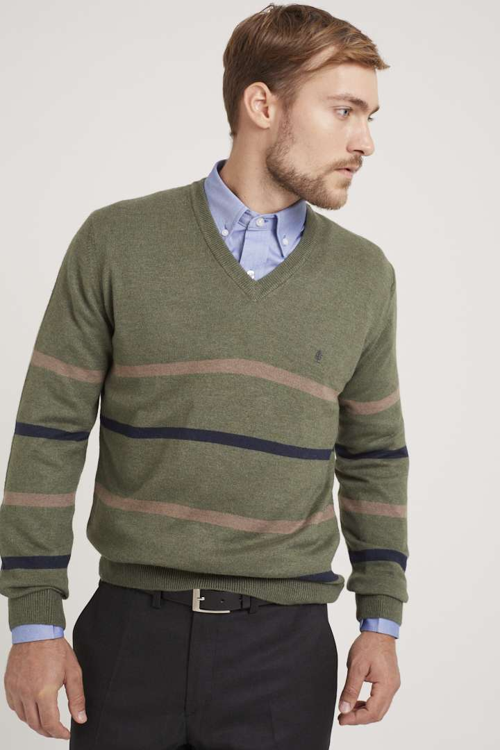 Sweater escote V con rayas de lana liviana
