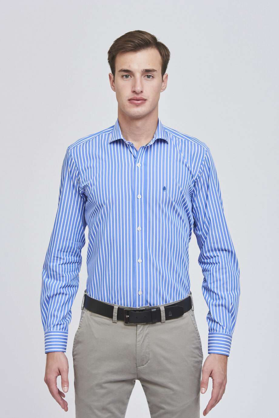 Camisa slim fit a rayas