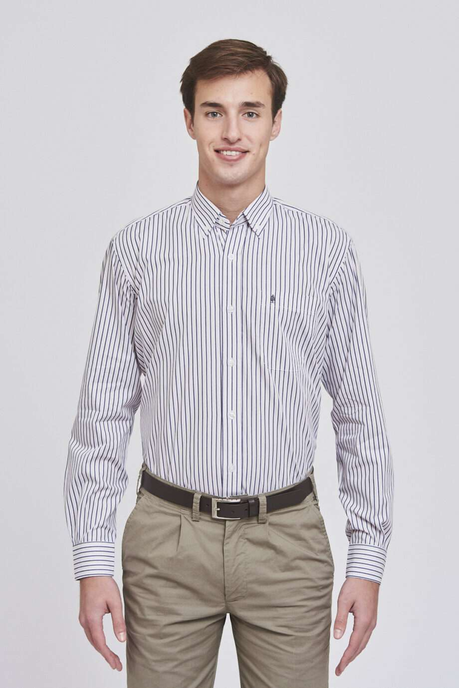 Camisa regular fit a rayas